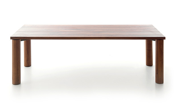 Inno - Table in solid wood with turned legs