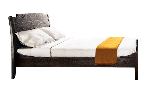L611 - Bed in solid wood