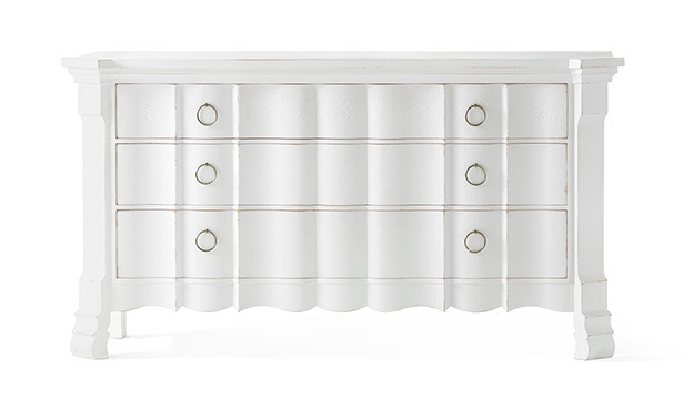 FA701 - Chest of drawers with shaped front