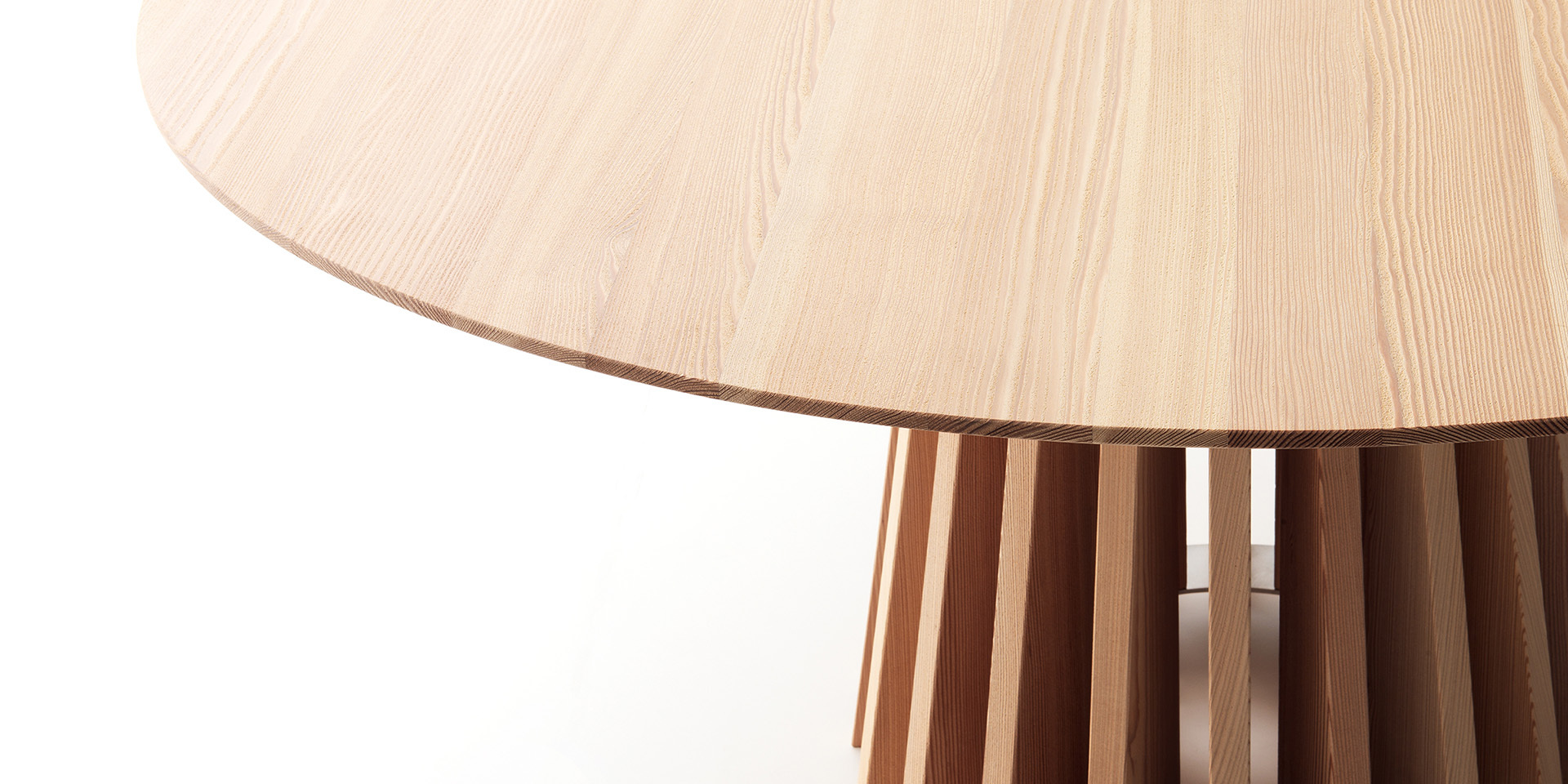 Aria table - Natural larch